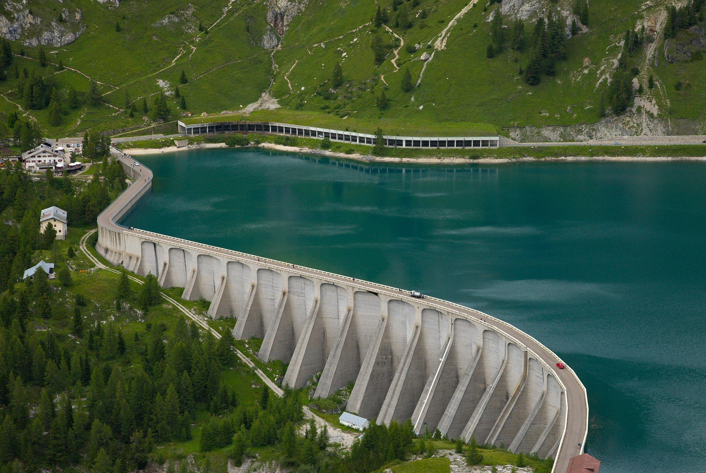 Lake,Fedaia,In,The,Dolomites
